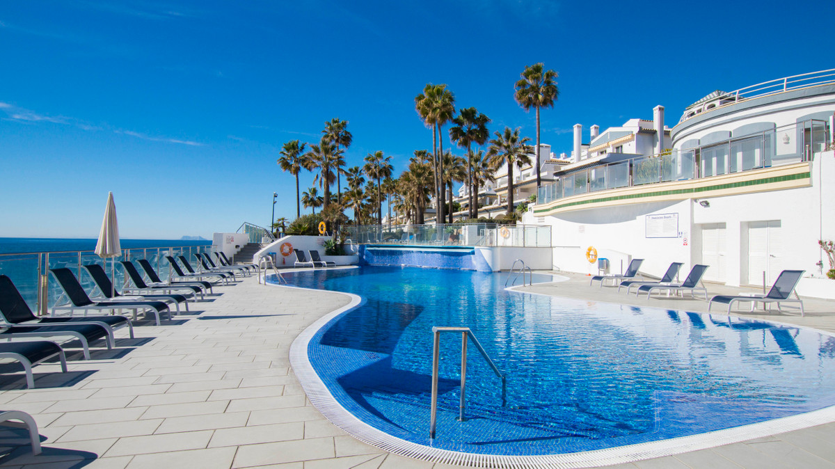 Ground Floor Apartment, Dominion Beach, New Golden Mile, Costa del Sol. 2 Bedrooms, 2 Bathrooms, Bui, Spain