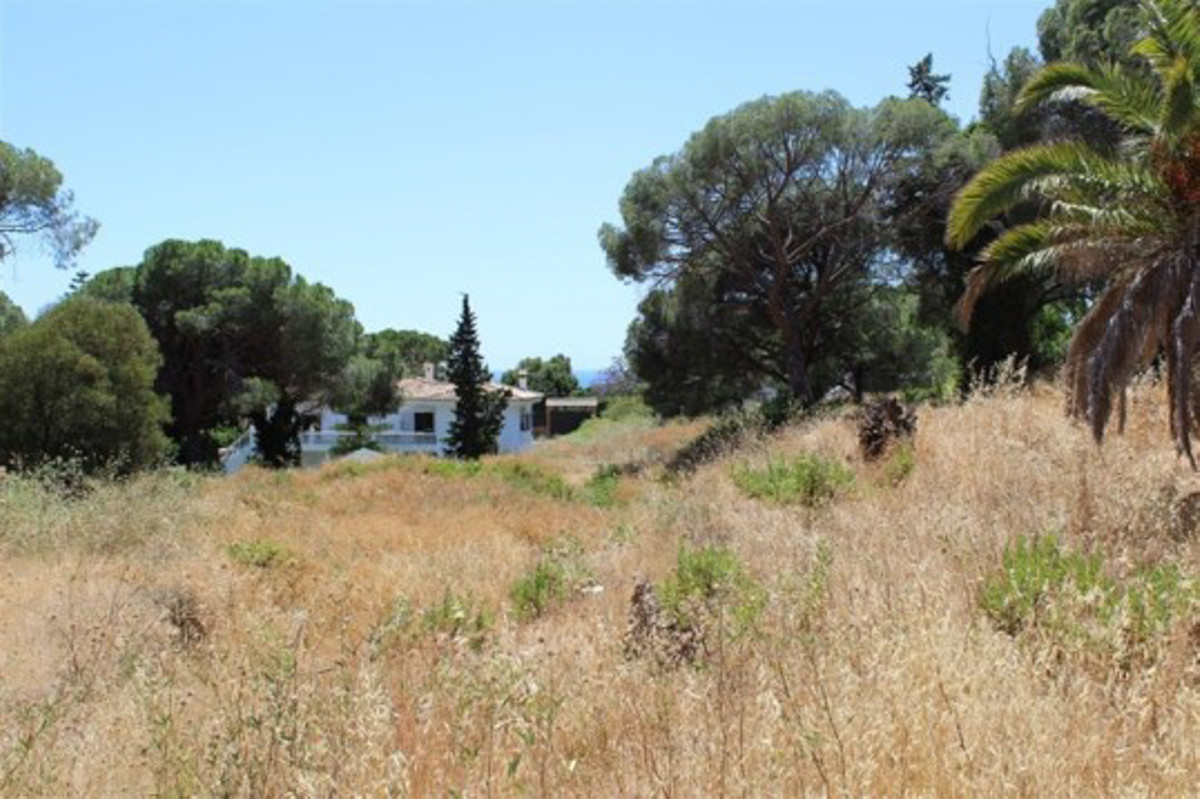 Urgent sale. Great opportunity! Large building plot in the center of Elviria, perfectly located! Mus,Spain