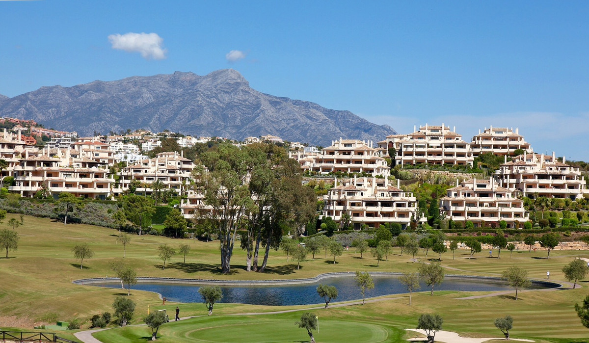 Ground Floor Apartment, Benahavis, Costa del Sol. 2 Bedrooms, 2 Bathrooms, Built 119 m², Terrace 63 , Spain