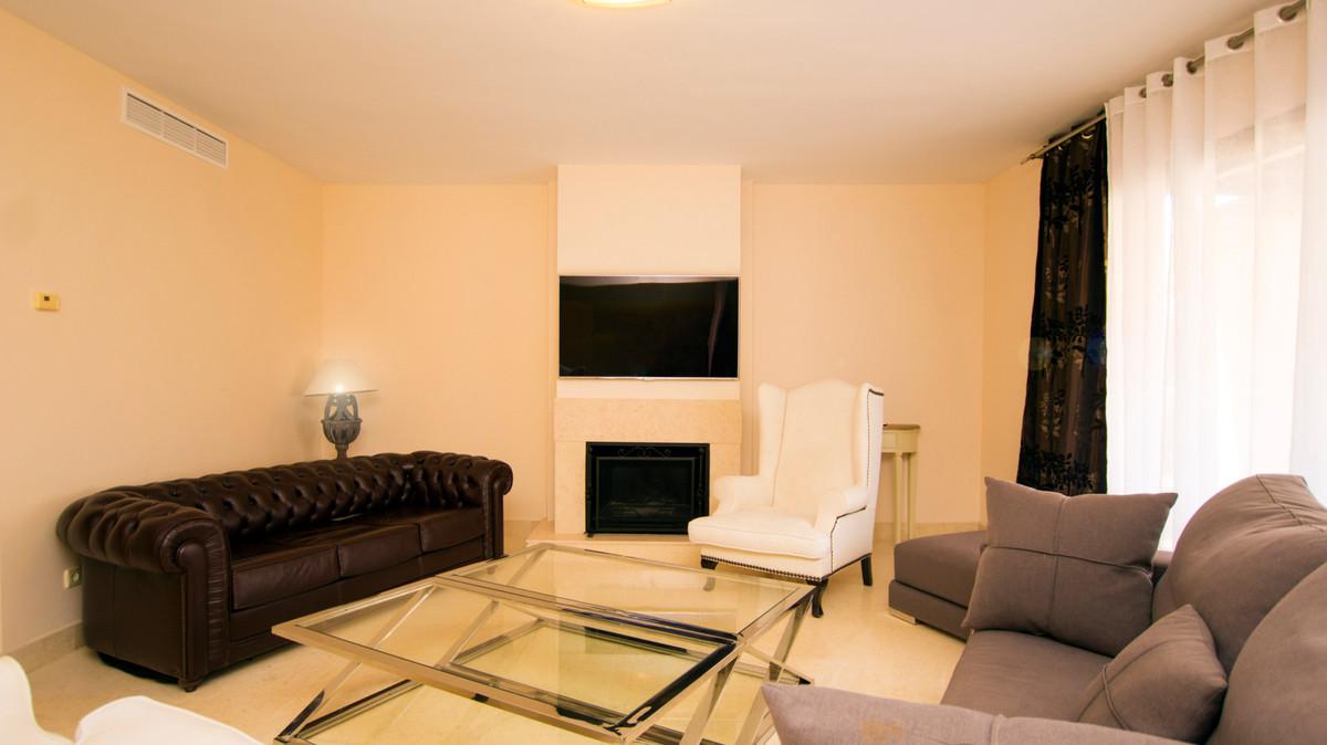R2731661 | Penthouse in Benahavís – € 1,010,000 – 3 beds, 4 baths