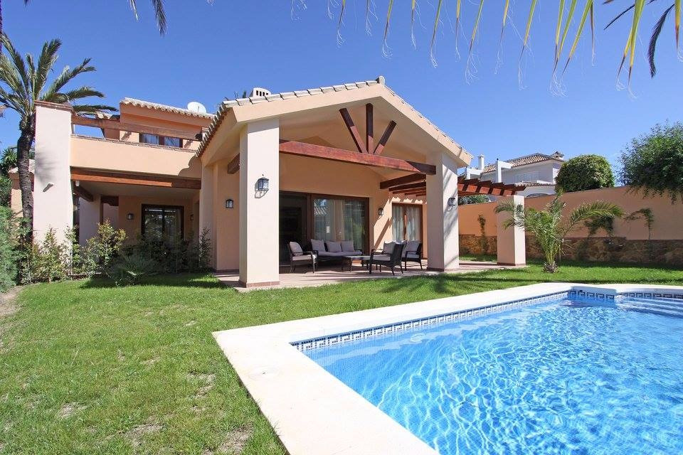 Villa – Chalet en Venta en Las Chapas – R3281182