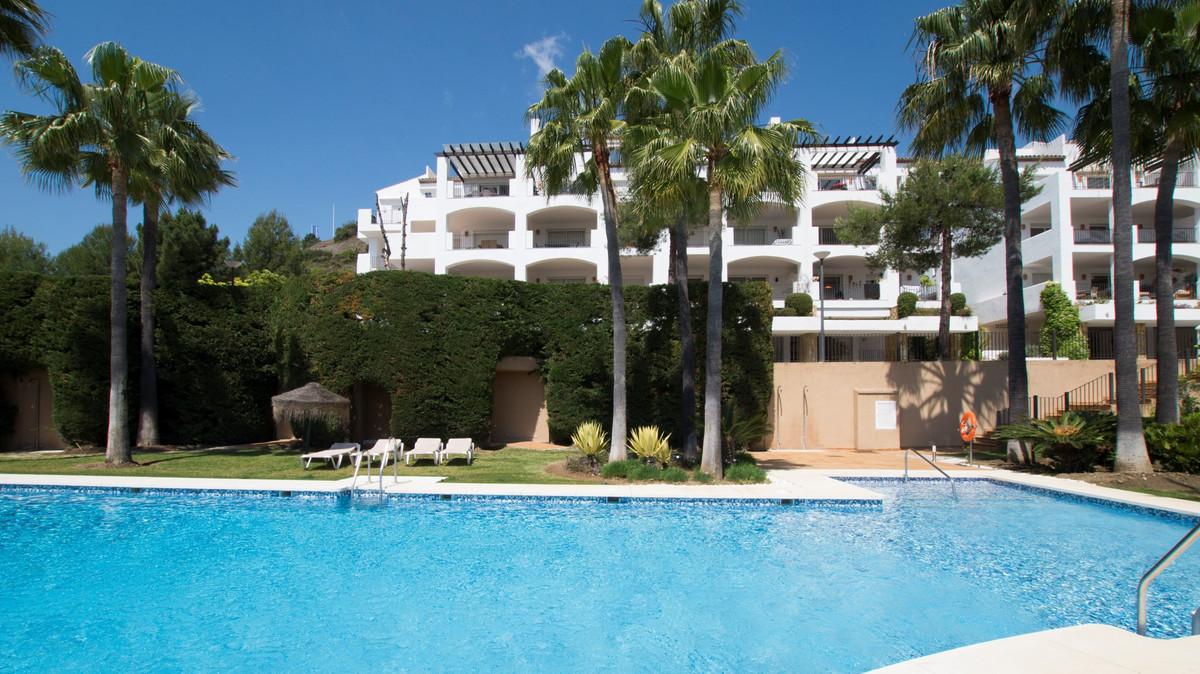 Marbella Banus Apartamento en Planta Última en Venta en La Quinta – R3184183