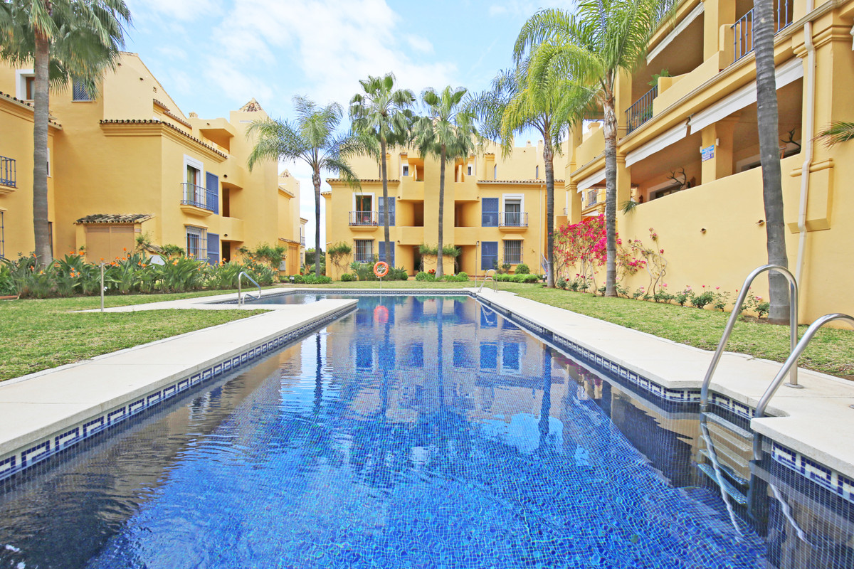 Fantastic two bedroom, south facing, duplex penthouse apartment in the gated urbanisation Single Hom,Spain