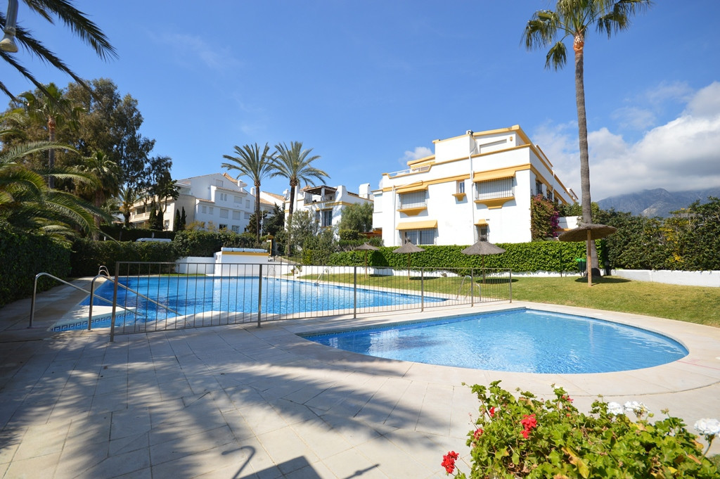 Fantastic four bedroom townhouse in Marbellamar, an excellent beach side community of townhouses in ,Spain