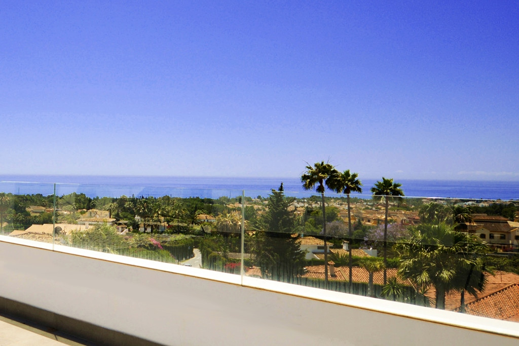 Modern south facing, five bedroom villa in Nagueles, at the foot of Sierra Blanca on the Golden Mile,Spain