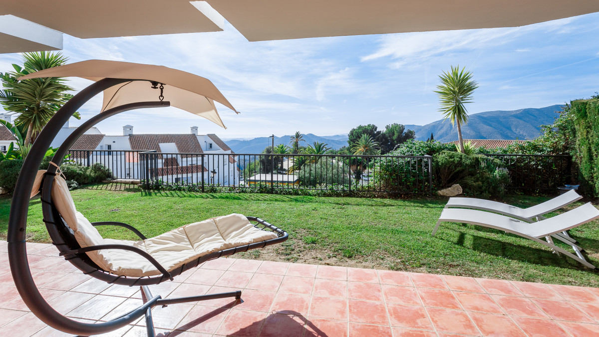 Lovely two bedroom, west facing, ground floor apartment in the quite residential urbanisation Balcon,Spain