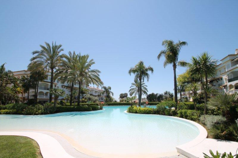 Marbella Banus Apartamento en Venta en The Golden Mile – R3066115
