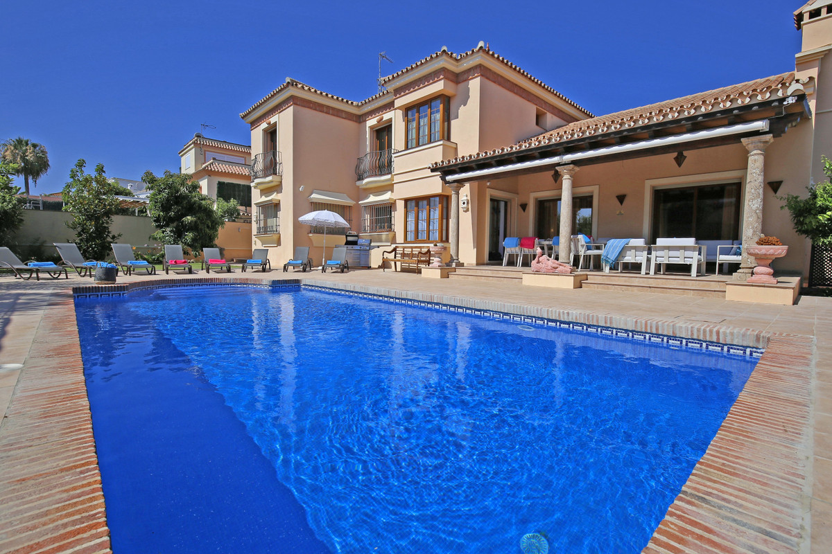 A spectacular five-bedroom villa designed to perfection in a traditional Andalucian rustic style. Lo, Spain
