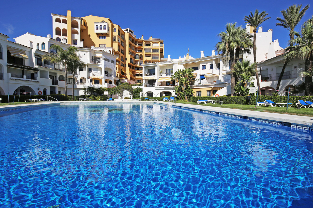 2 bedroom apartment for sale cabopino