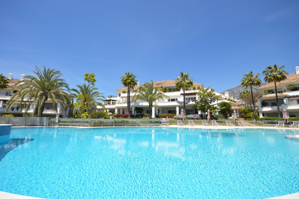 Fantastic four bedroom, south facing ground floor apartment in the prestigious and gated community M,Spain