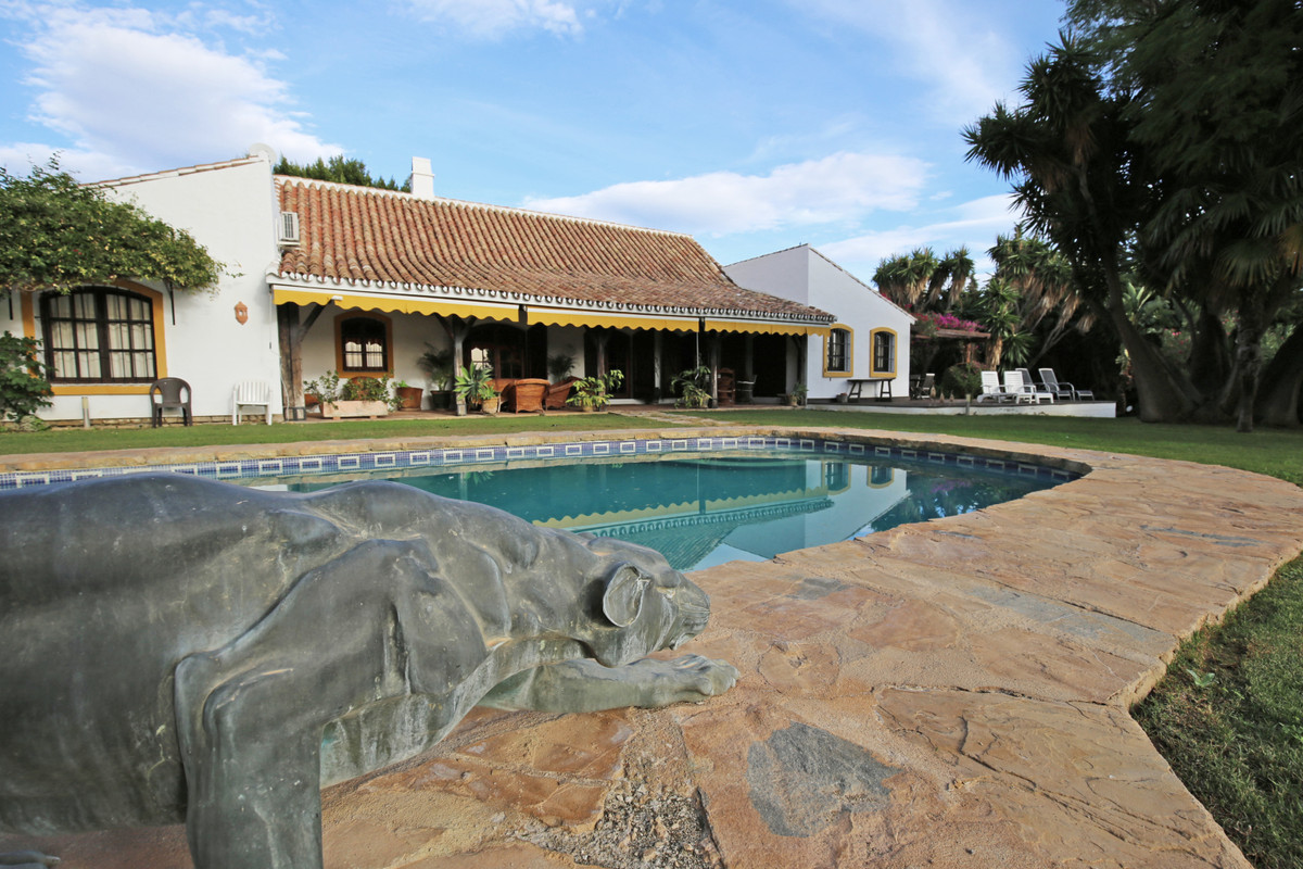 Charming country style six bedroom villa in Guadalmina Alta close to the well known Barcelo Hotel. T,Spain