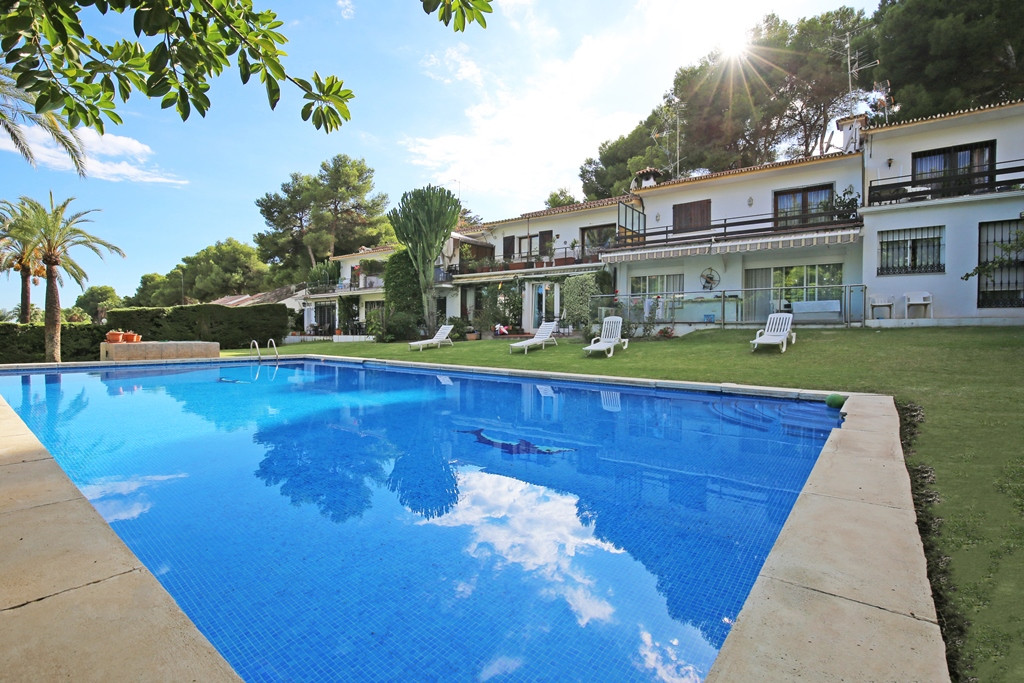 Lovely two bedroom ground floor, east facing apartment in the gated community Las Agrupadas, Nueva A, Spain