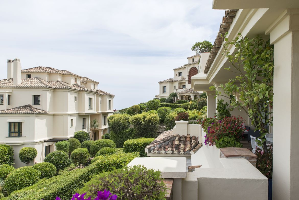 Fantastic two bedroom south facing, first floor apartment in the gated community Capanes del Golf, w,Spain