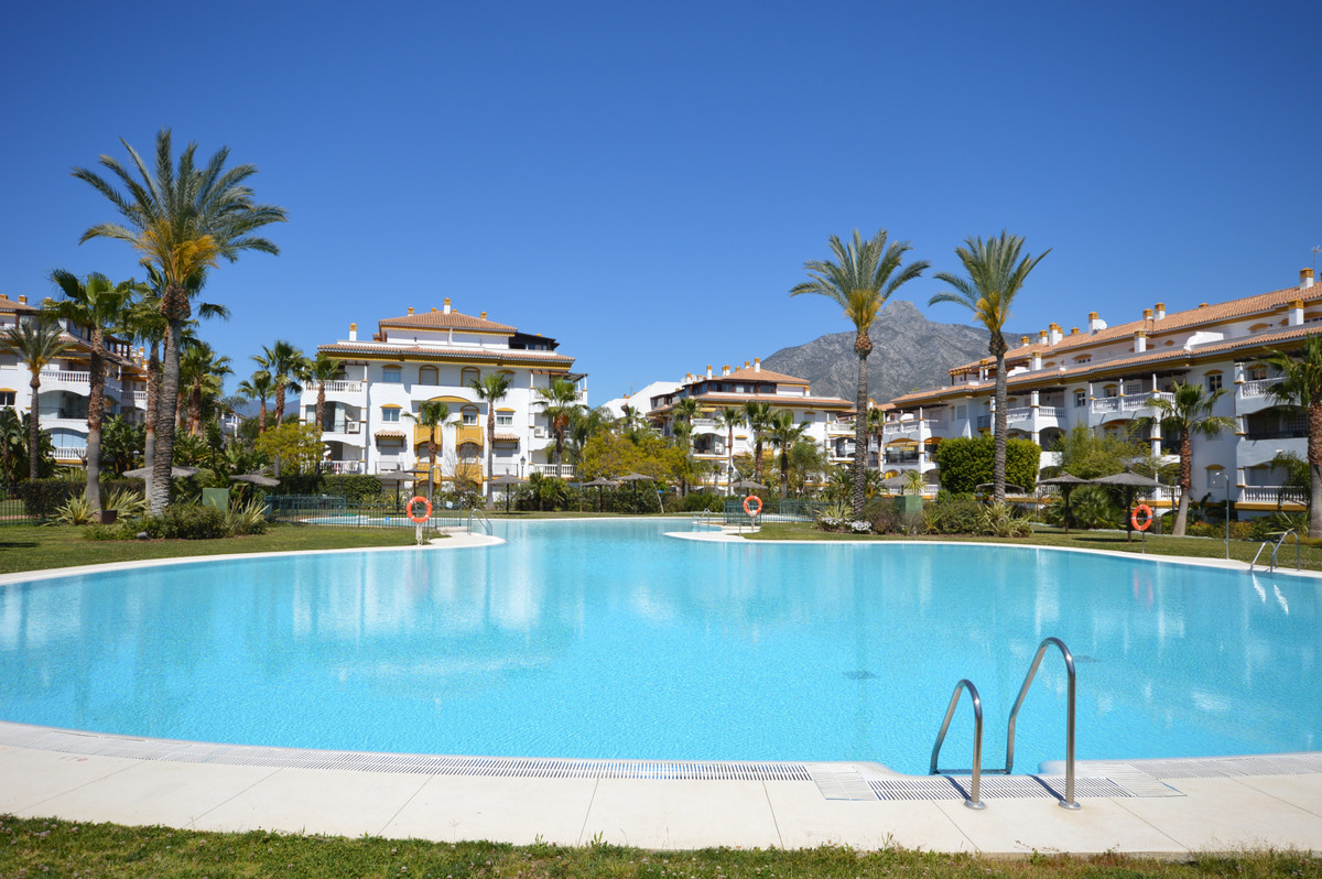 1 bedroom apartment for sale nueva andalucia