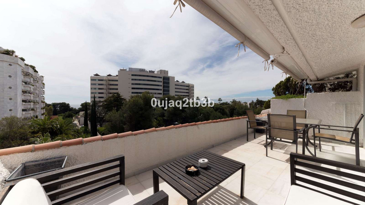 1 bedrooms 1 bathrooms Apartment for rent in Marbella for €1,100/Month