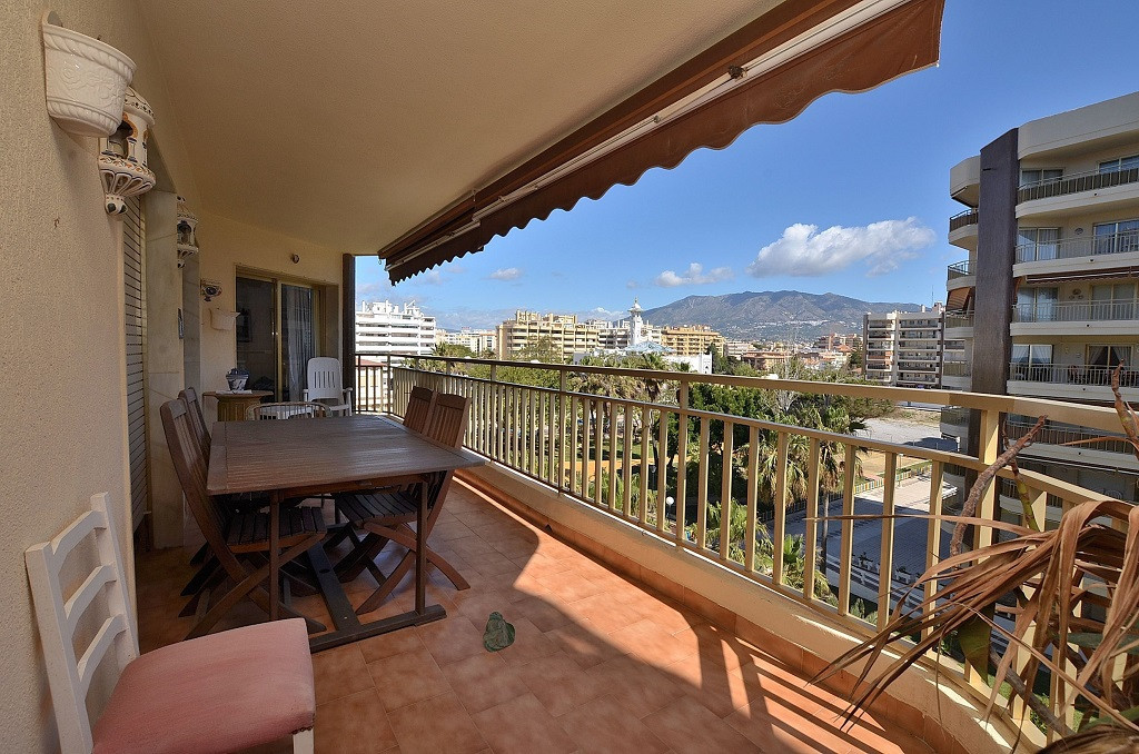 2 bedrooms 2 bathrooms Apartment for venta in Fuengirola for €349,950