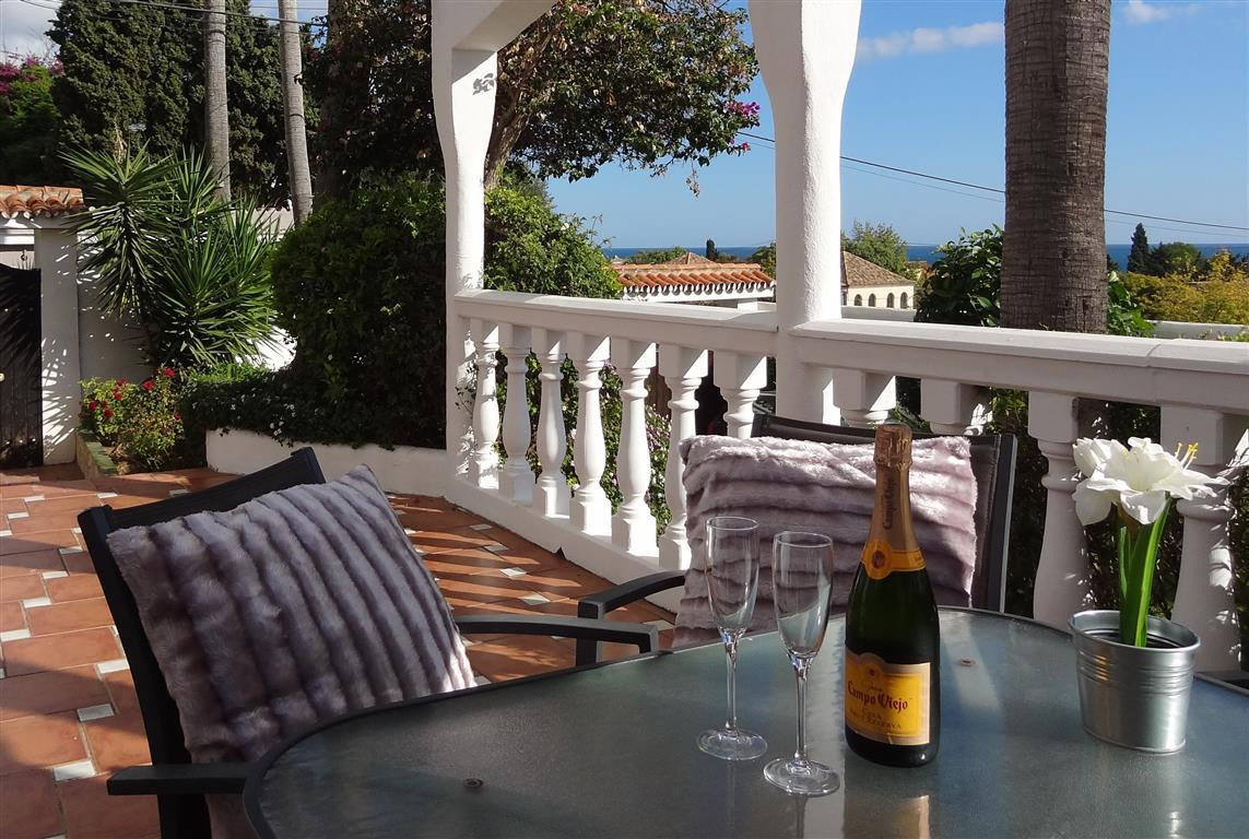 5 bedrooms 4 bathrooms Villa for rent in Marbella for €5,950/Month