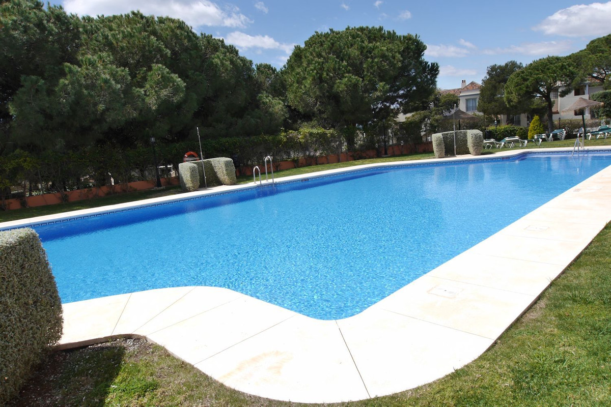 2 bedrooms 2 bathrooms Apartment for sale in Cabopino for €199,000