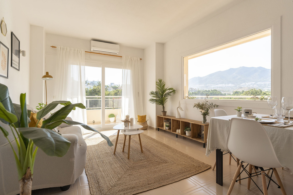 Apartment with two bedrooms and two bathrooms in the Marian Golf Urbanization next to the Torrequebr,Spain