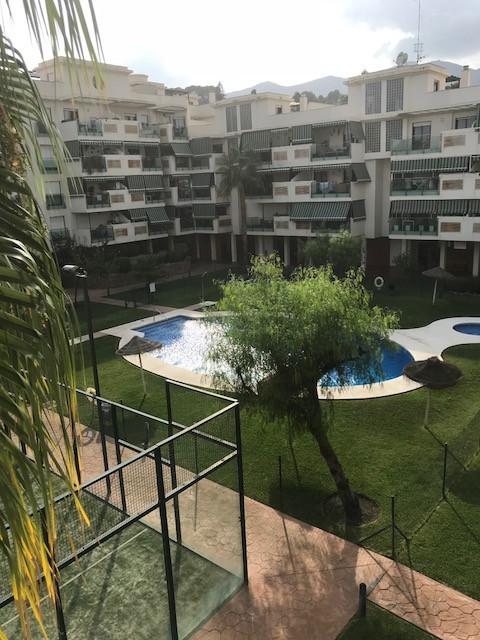 Marbella Banus Apartamento Planta Media a la venta, La Colina – R3270709