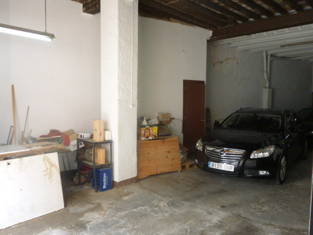 Warehouse, Malaga Centro, . 2 Bedrooms, 1 Bathroom, Built 200 m².  Setting : Town, Close To Schools., Spain
