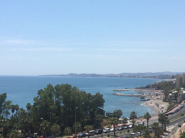 Middle Floor Apartment, Torrequebrada, Costa del Sol. 3 Bedrooms, 2 Bathrooms, Built 102 m², Terrace, Spain