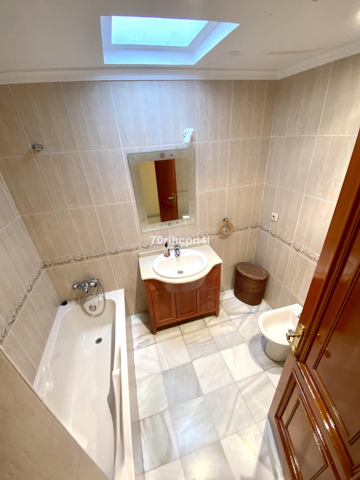 Apartamento en Planta Última en Venta en Marbella – R3664532
