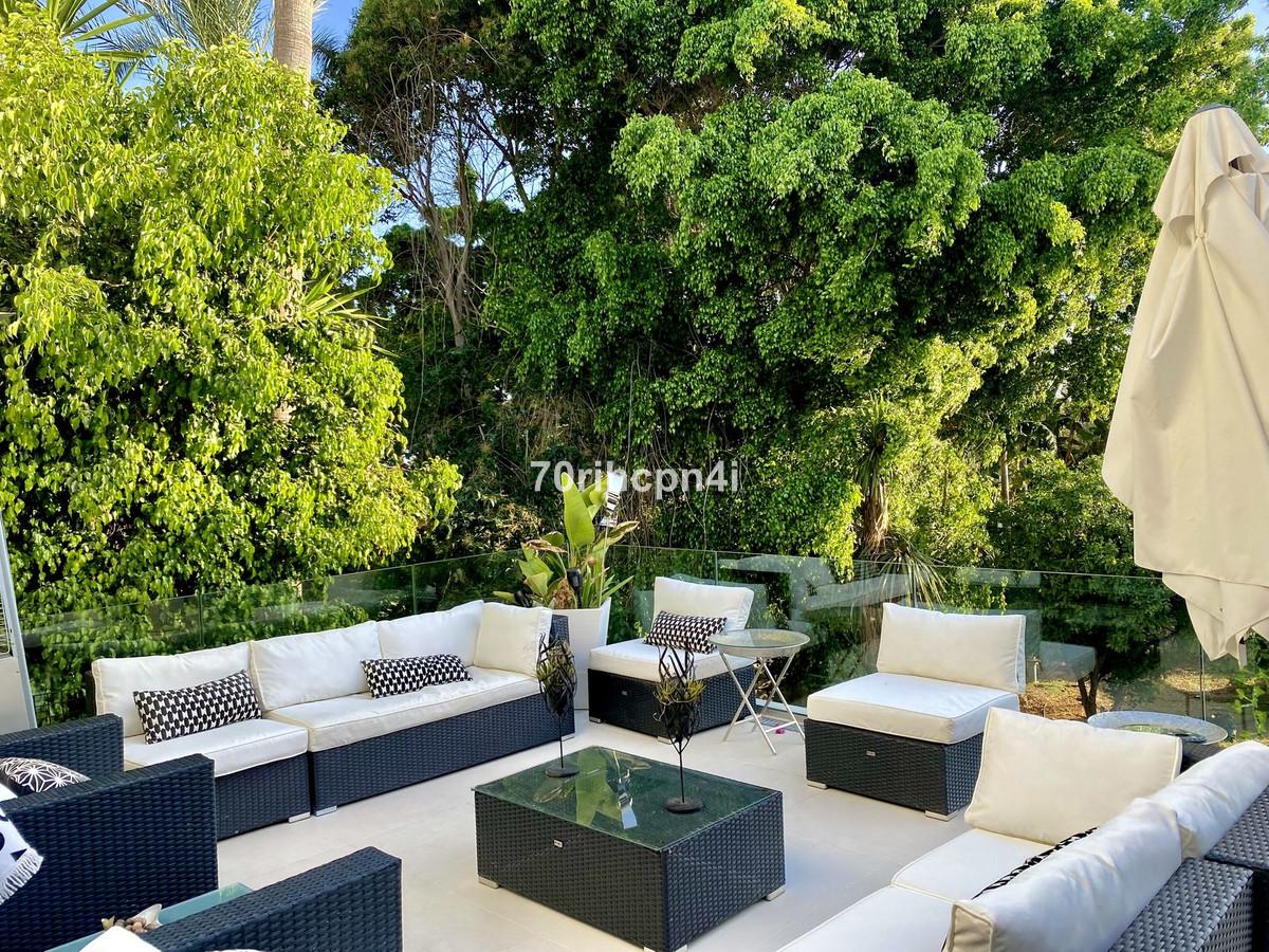 Marbella Banus Villa – Chalet en Venta en El Rosario – R3439885