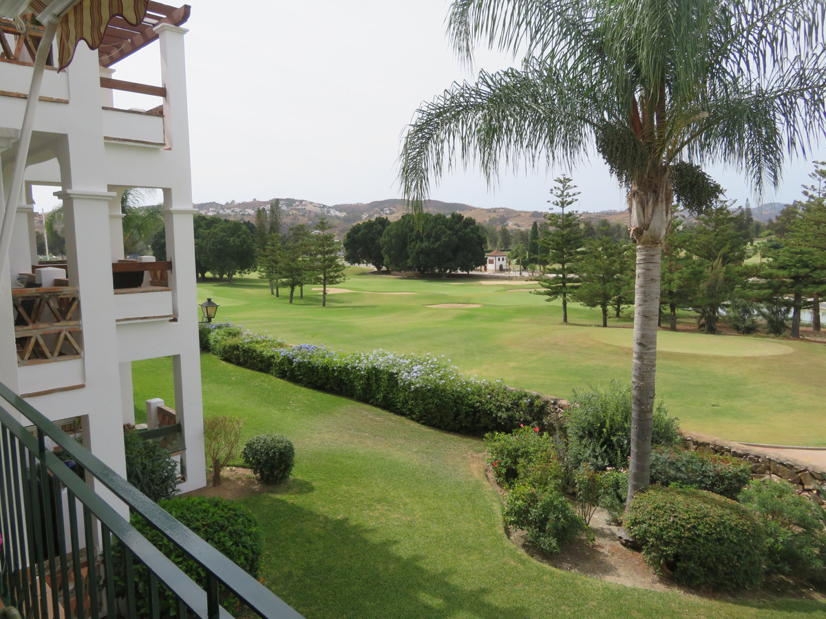 We are pleased to offer this immaculately presented two bedroom apartment in Las Golondrinas, one of,Spain
