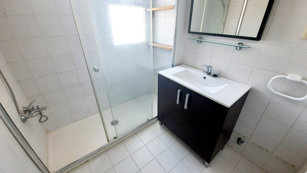 Apartamento en Venta en Calahonda – R3855217
