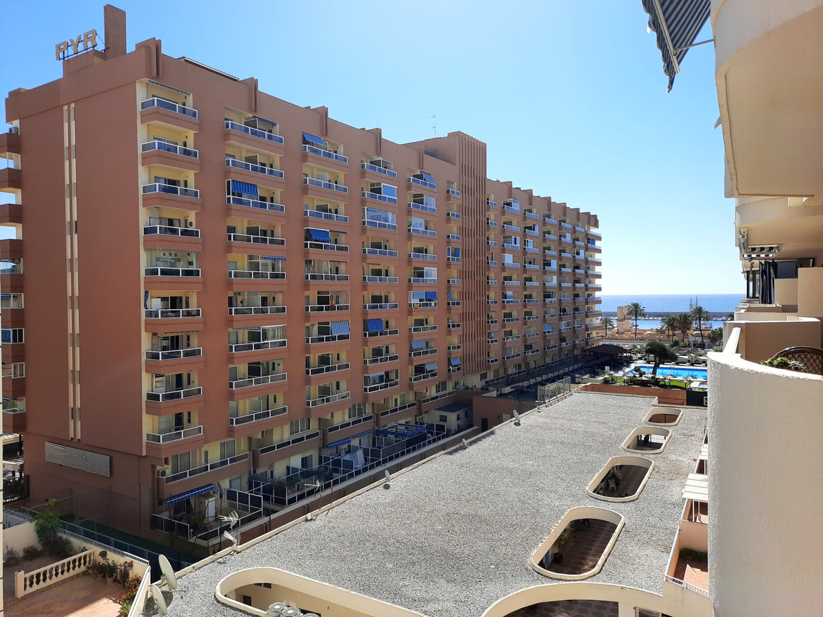 Impressive apartment with 3 bedrooms and 2 bathrooms completely renovated next to the beach.  Just 1,Spain