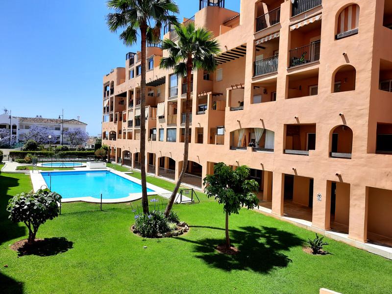 Marbella Banus Apartamento Planta Media en venta en Los Pacos – R3645755