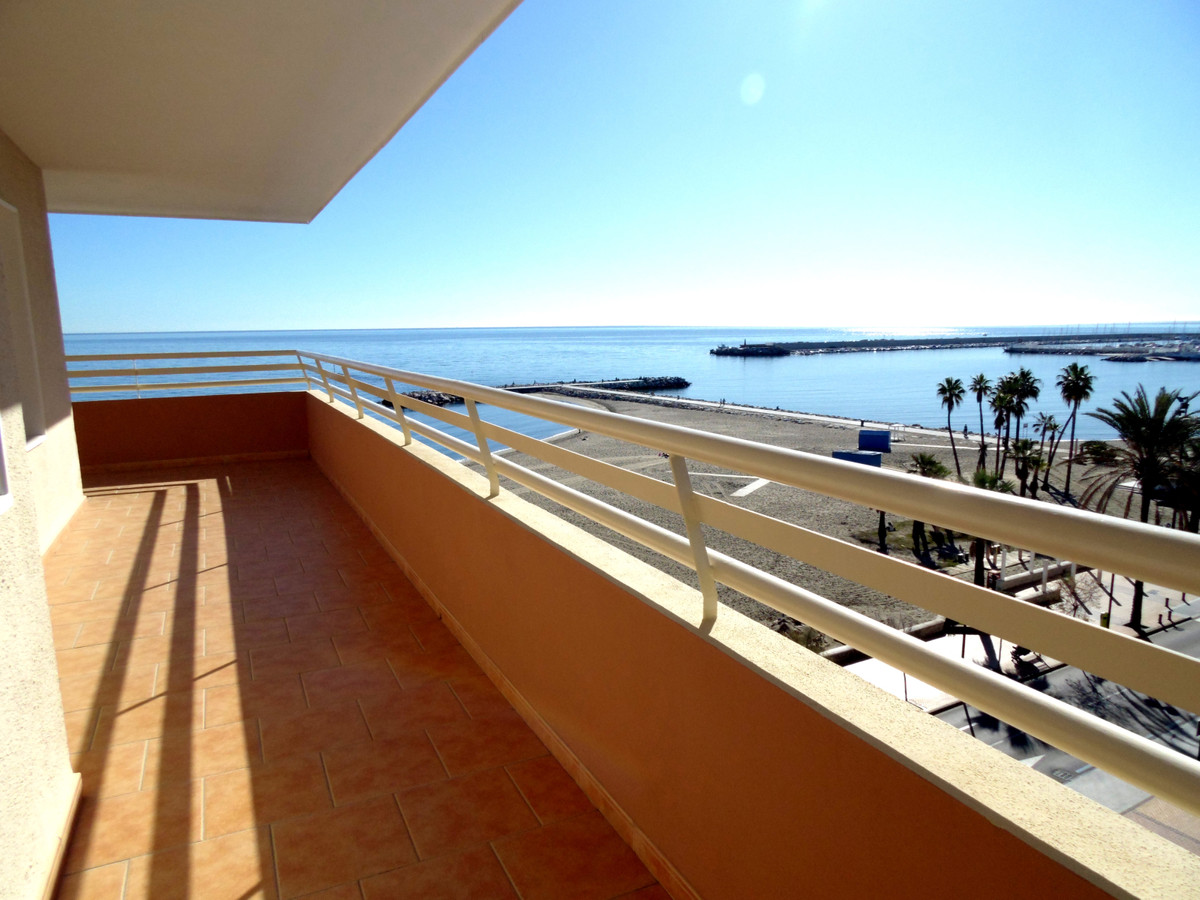 Unique oportunity to acquire a south west facing apartment with a large wrap around terrace with sun,Spain