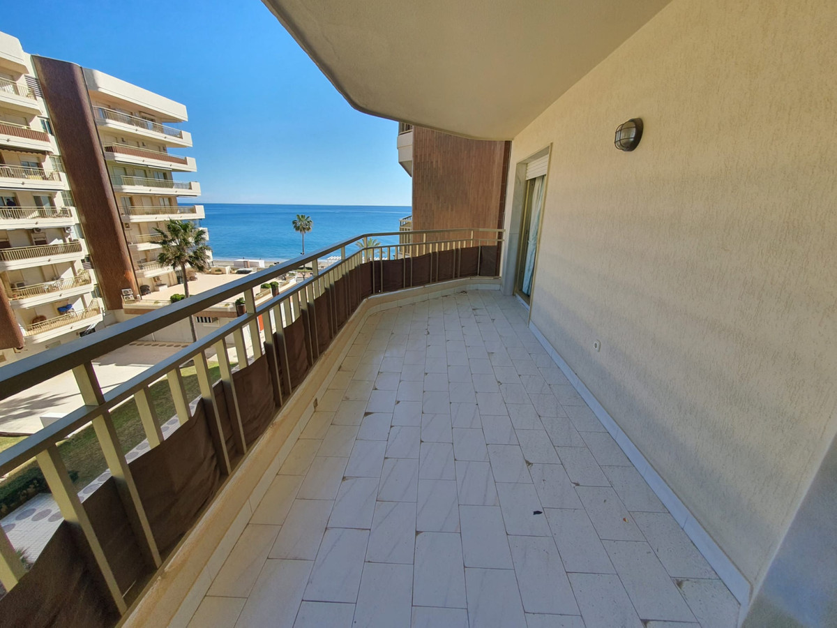 Huge apartment for sale in Fuengirola, front line beach, in Dona Sofia urbanzation.  This property i,Spain