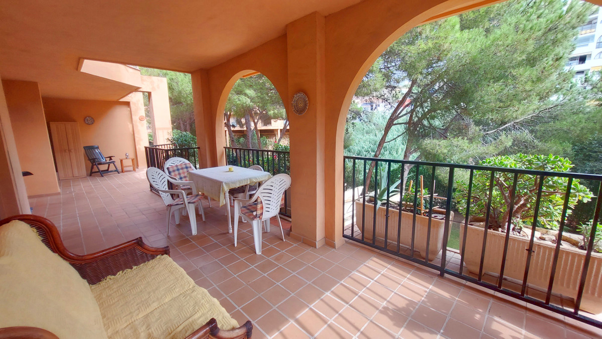 Beautiful apartment for sale in Fuengirola, on the Costa del Sol, walking distance to the beach. Thi,Spain