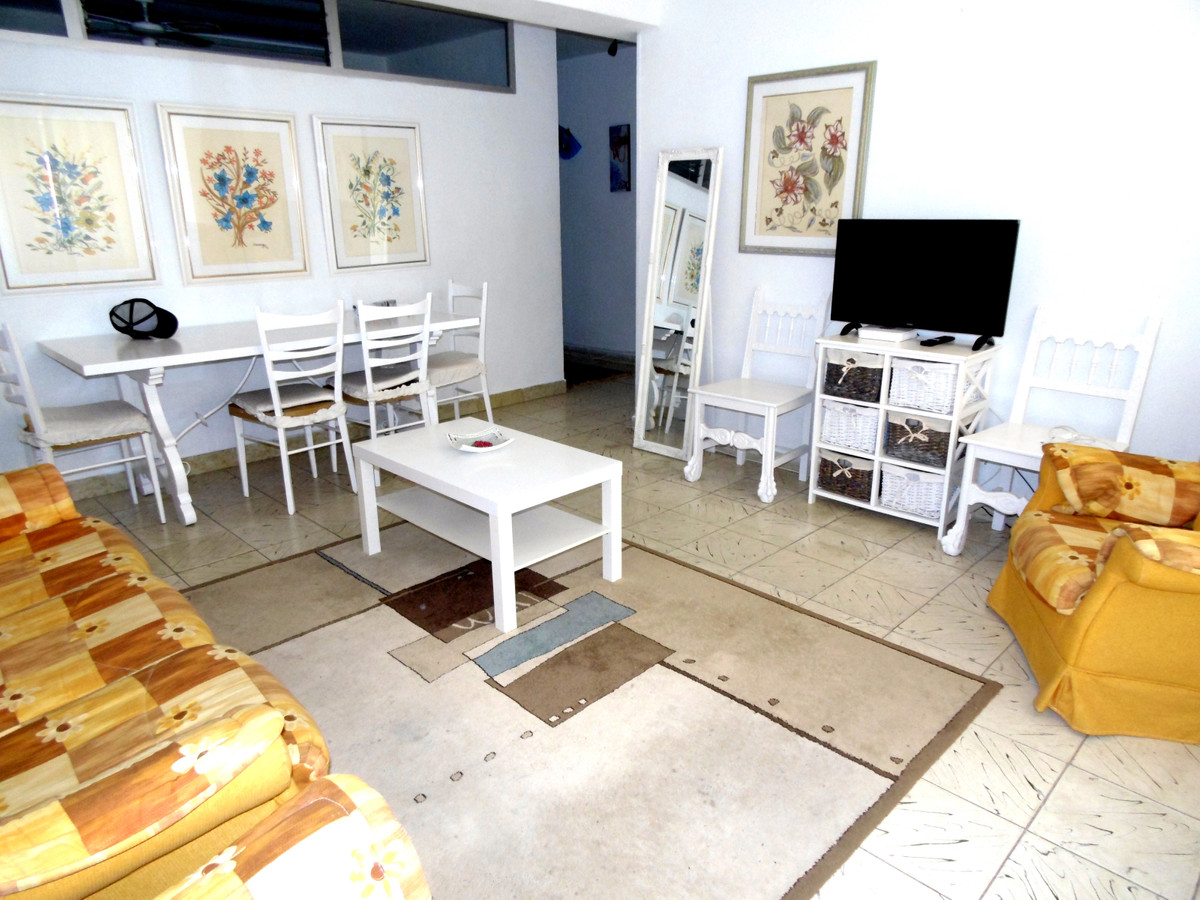 Location, location, location! Central apartment for sale in Fuengirola, second line beach and partia,Spain