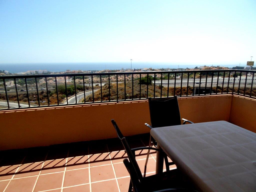 South west facing apartment for sale in Riviera del Sol, with fantastic sea views and a large corner,Spain