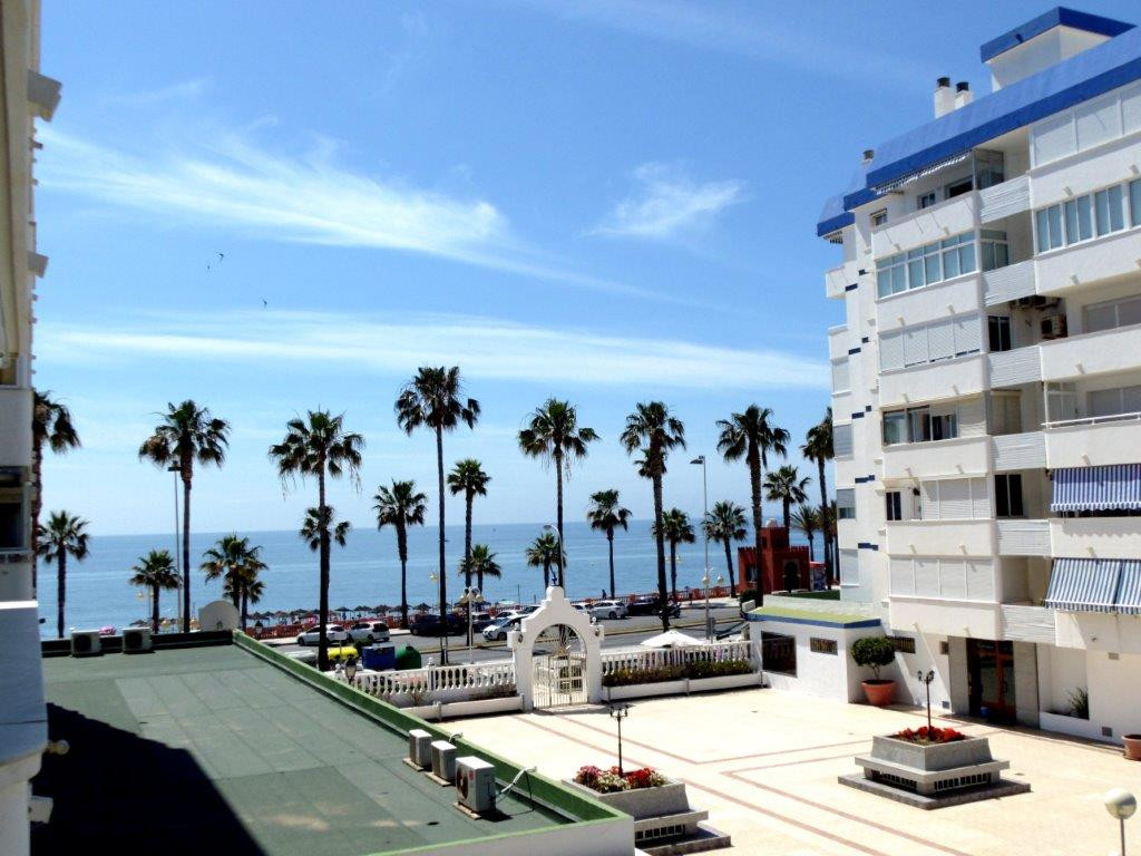West facing apartment for sale in Benalmadena Costa, with fantastic sea views and an excellent locat, Spain