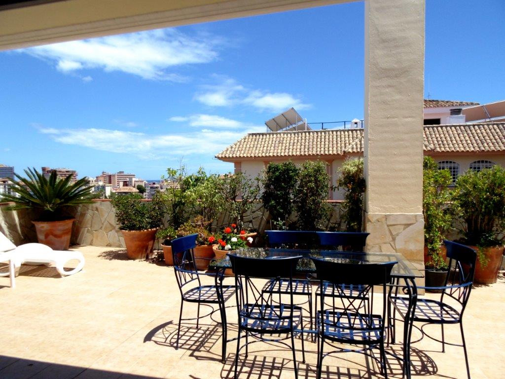 Spectacular penthouse for sale in Los Boliches. This property has been completely modernized with ne, Spain
