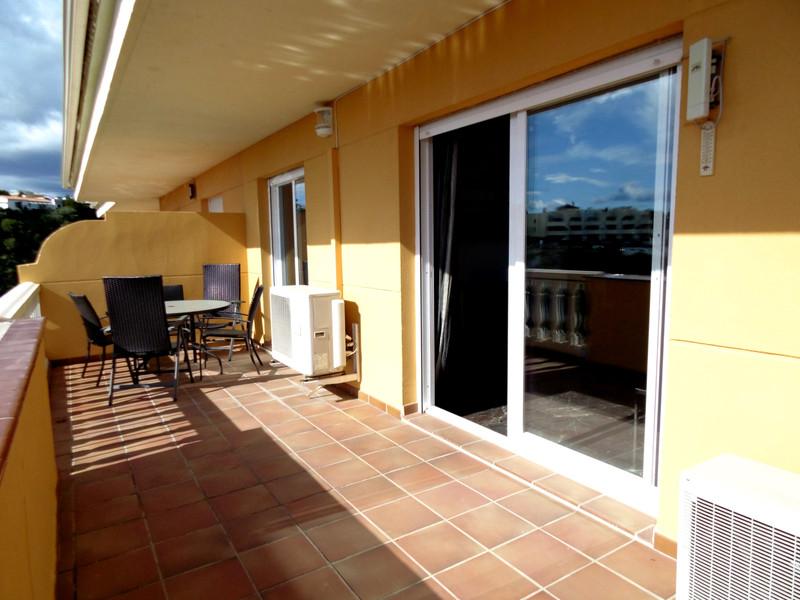 Marbella Banus Middle Floor Apartment a la venta, Fuengirola – R3373897
