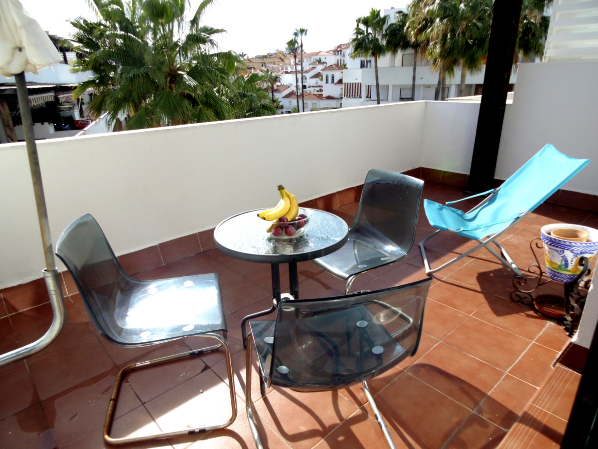Sunny and bright south facing apartment apartment, with beautiful views for sale in Riviera del Sol.,Spain