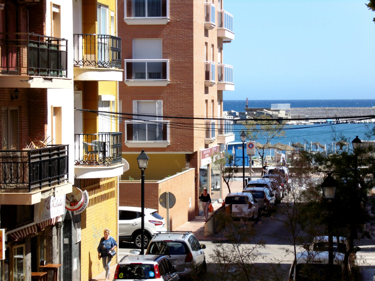 Location, location, location! Corner apartment for sale close to the sea, bright and sunny. Set in a, Spain