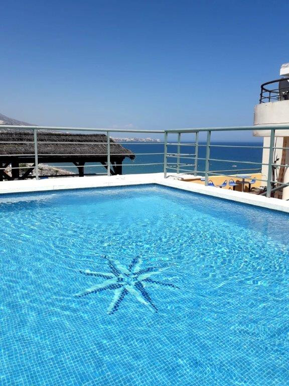 Beautiful duplex penthouse for sale in Fuengirola nearly front line beach, offering incredible sea a, Spain