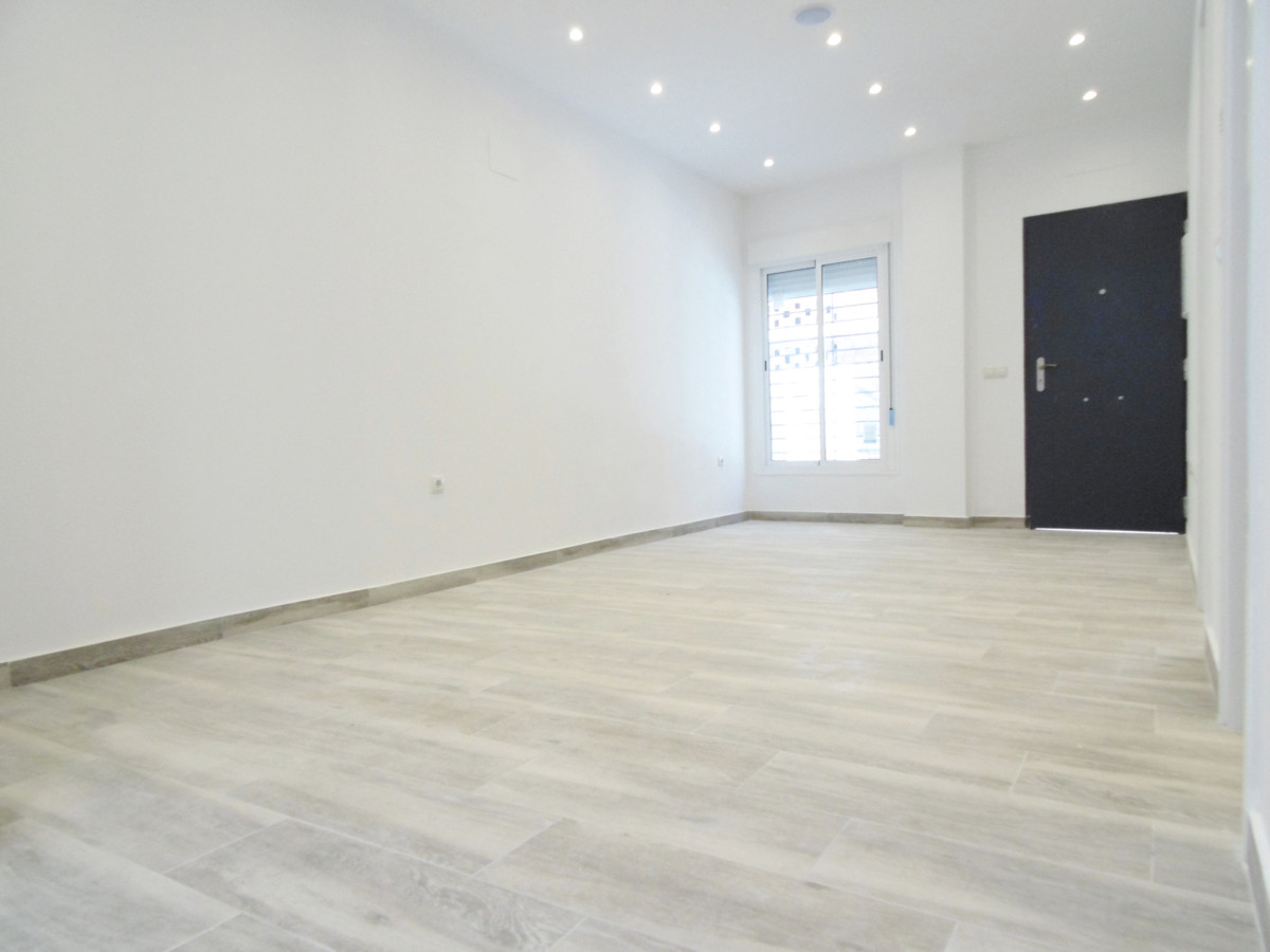 Ground floor apartment for sale completely refurbished with new plumbing, electric installation and , Spain