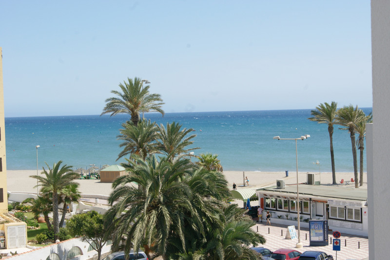 Middle Floor Apartment in Roquetas de Mar for sale
