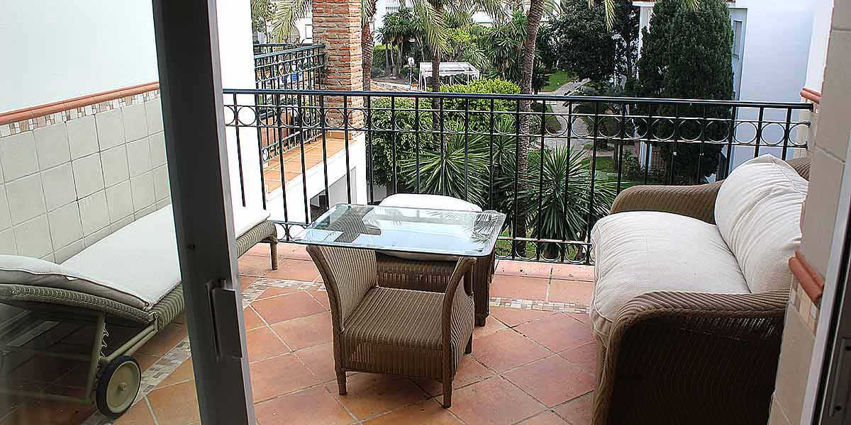 """Great opportunity, beautiful apartment in a beach front complex, near  """"chiringuitos"""" and ,Spain"""