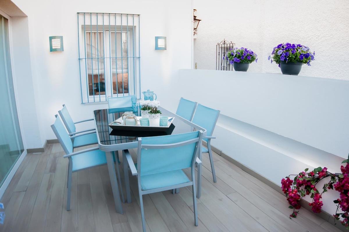 Beautiful townhouse by the sea, completely renovated and redecorated with 2 bedrooms and 2 bathrooms, Spain
