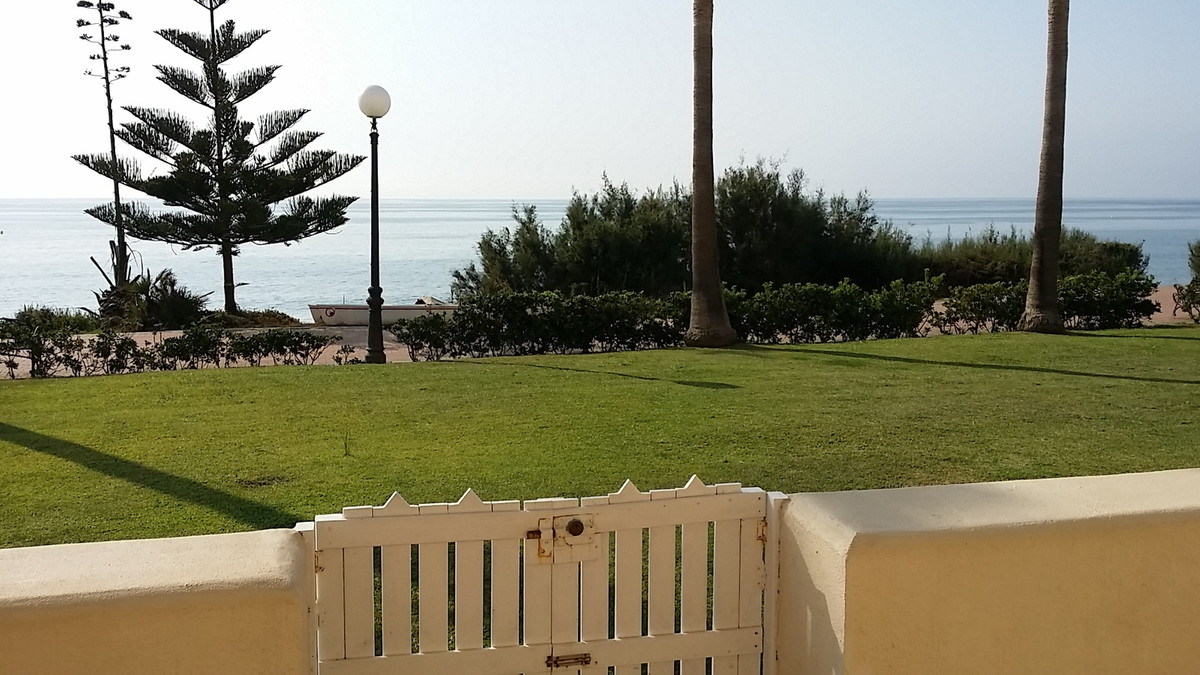 Ground Floor Apartment in Estepona R2950571