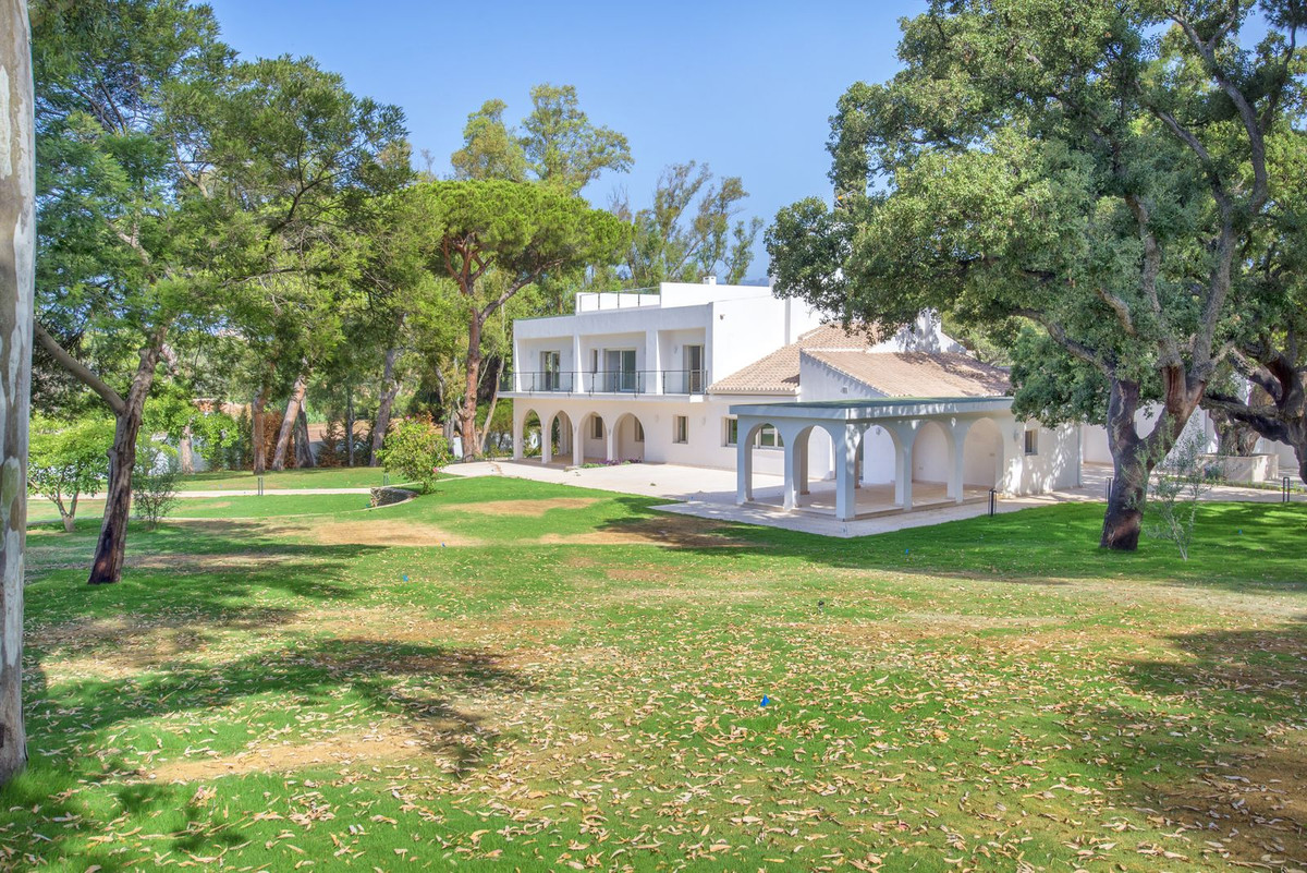 Exclusive Villa NEW. Its location and size make it unique and unrepeatable.  The property is on a pl, Spain