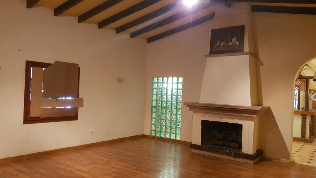 Commercial in Elviria